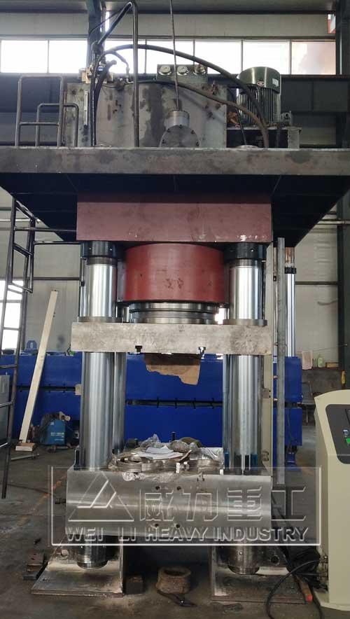 1500吨热锻成型四柱油压机