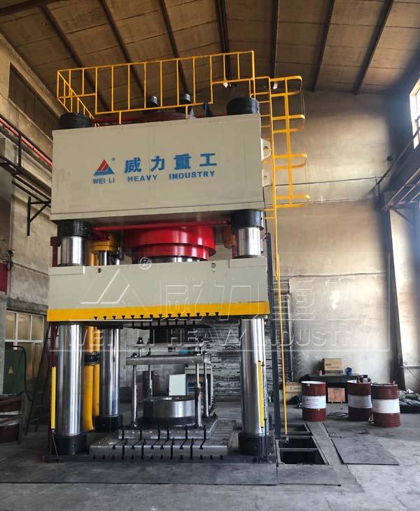 4000吨热模锻成型油压机图片