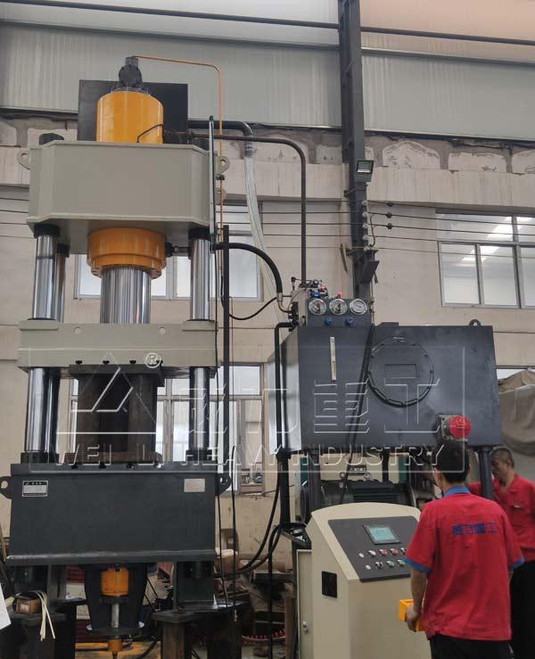 400吨金属热压成型四柱油压机