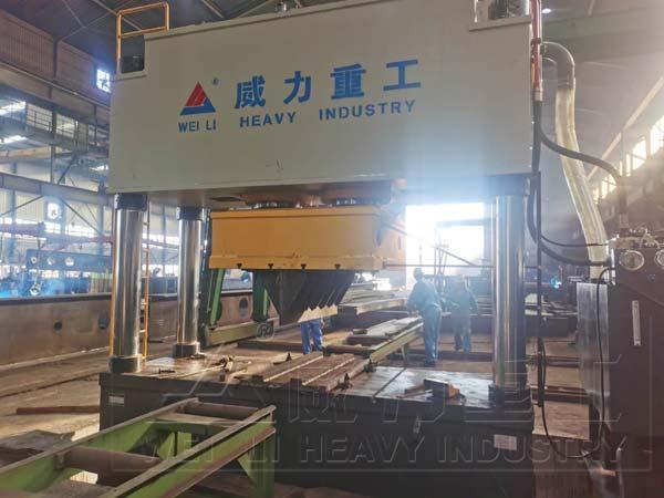 1000吨钢板校直校正油压机