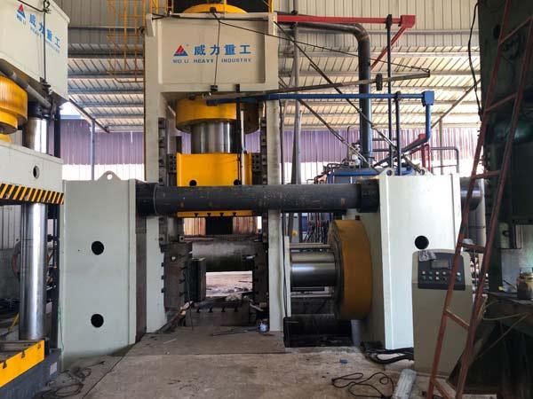 4800吨斗齿热锻成型油压机