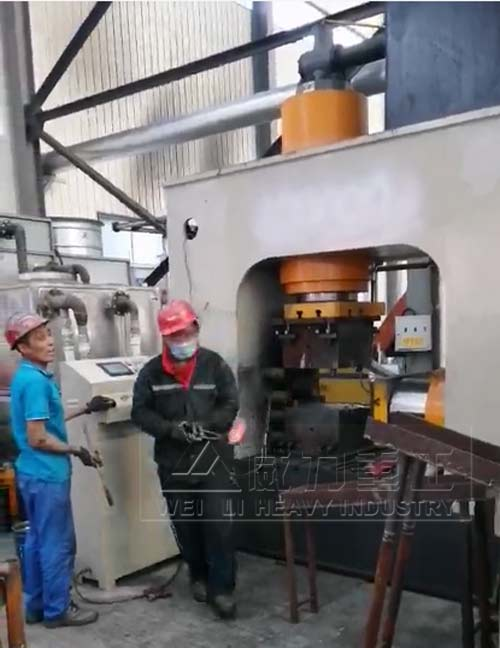400吨多向锻造油压机